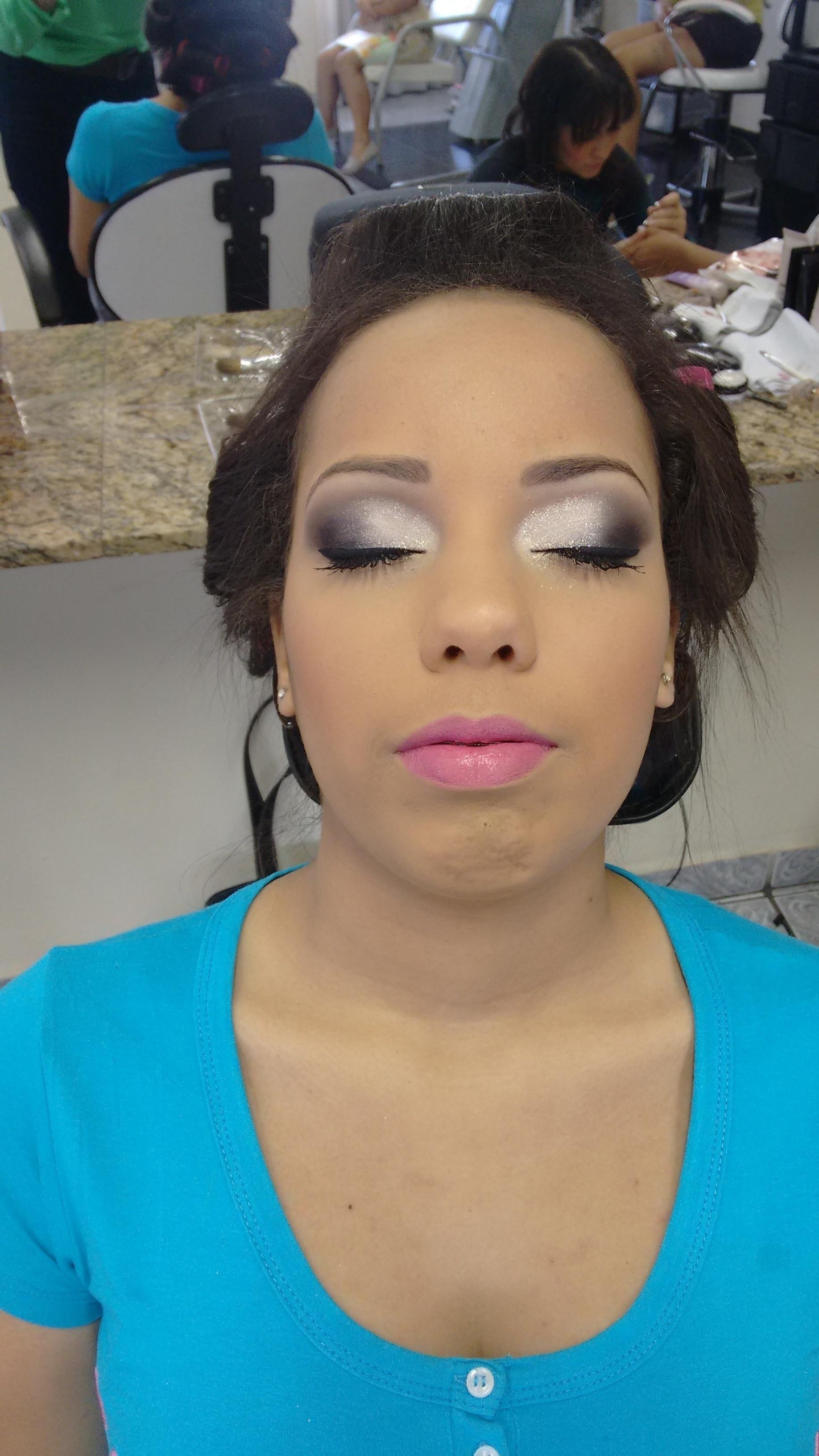 Make debutante  maquiagem maquiador(a) micropigmentador(a)
