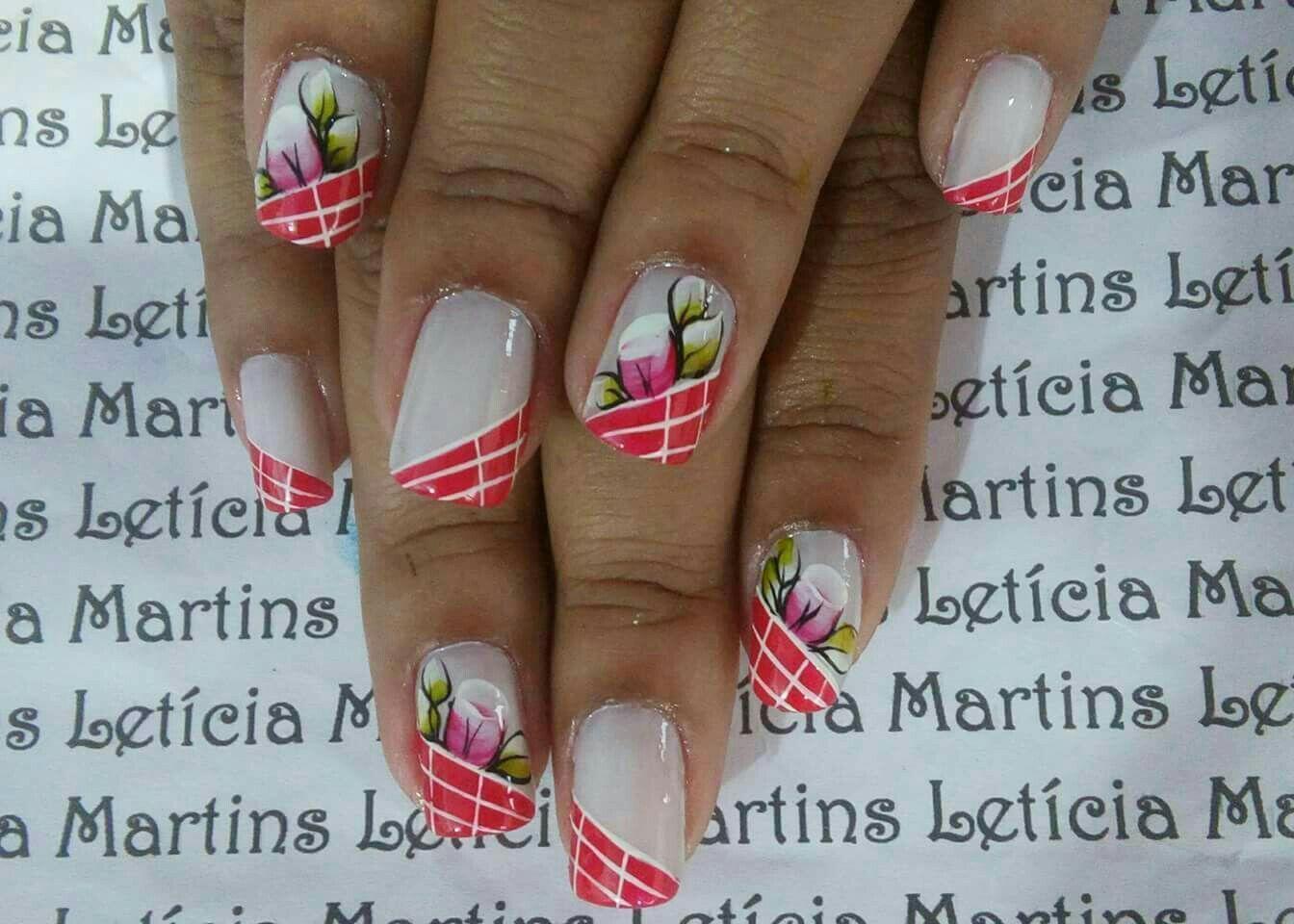 Unhas lindas e charmosa com a flor botão carga dupla unha manicure e pedicure manicure e pedicure