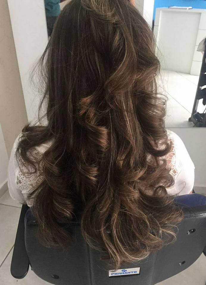 escova modelada cabelo auxiliar cabeleireiro(a) cabeleireiro(a) recepcionista