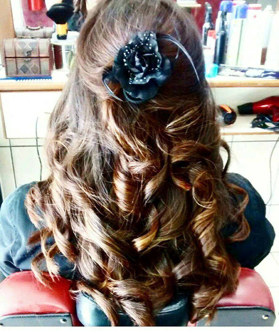 Simple curl hairstyle for party cabelo cabeleireiro(a)