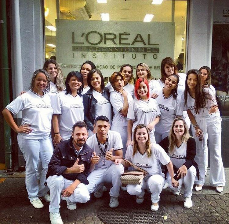 E vamos de + conhecimento para vocês #lorealprofessionnel #hairdressing #hairstyle #dicasdabelinha #mundodabelinha #conhecimento #amando #vidaboa#goodmorning #goodviqes #vemcoisaboaporai cabelo cabeleireiro(a) auxiliar cabeleireiro(a)