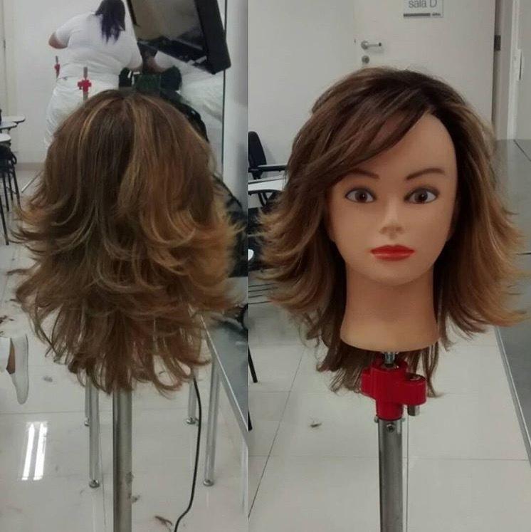 Corte em camadas para vocês. Um bom corte 💇faz toda a diferença no formato de seu rosto 😃😃😃 . #hairstyle #corteemcamadas #dicasdabelinha #nutrição #vidaaoscabelos #novovisual #mude #inove #newlook #seame #secuide cabelo cabeleireiro(a) auxiliar cabeleireiro(a)