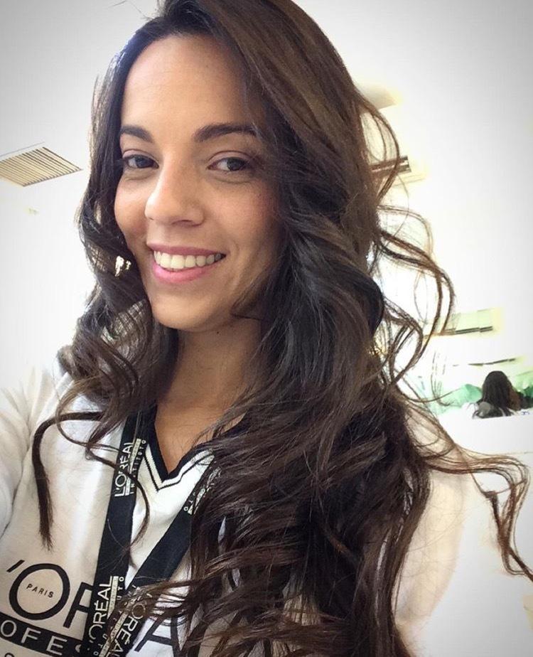 Mudar é preciso 💫✨💫✨💫!!! #cachos #movimentoaoscabelos #vida #tipofenix #dicasdabelinha #hairstyle #hairdresser #hair #vidaaoscabelos #brilho #maciez #happy #aquinosalao #tratamentoécmg #corteécmg #escovaécmg #serviçodecabeloécmg #orçamentodepwrsianastb cabelo cabeleireiro(a) auxiliar cabeleireiro(a)