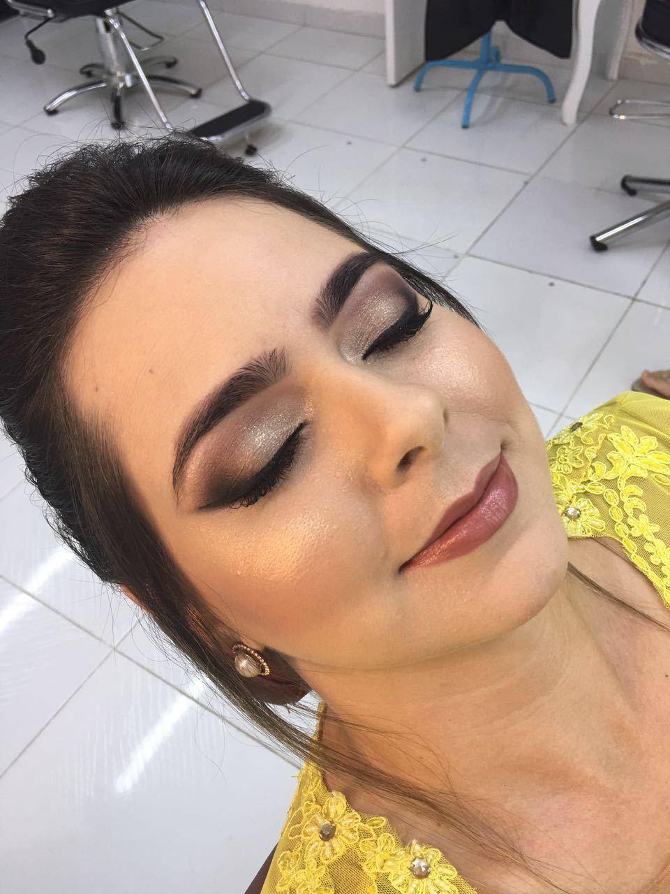 Maquiagem festa maquiagem maquiador(a) consultor(a) designer de sobrancelhas