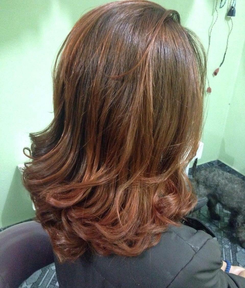 Corte coloração e escova cabelo auxiliar cabeleireiro(a) cabeleireiro(a)