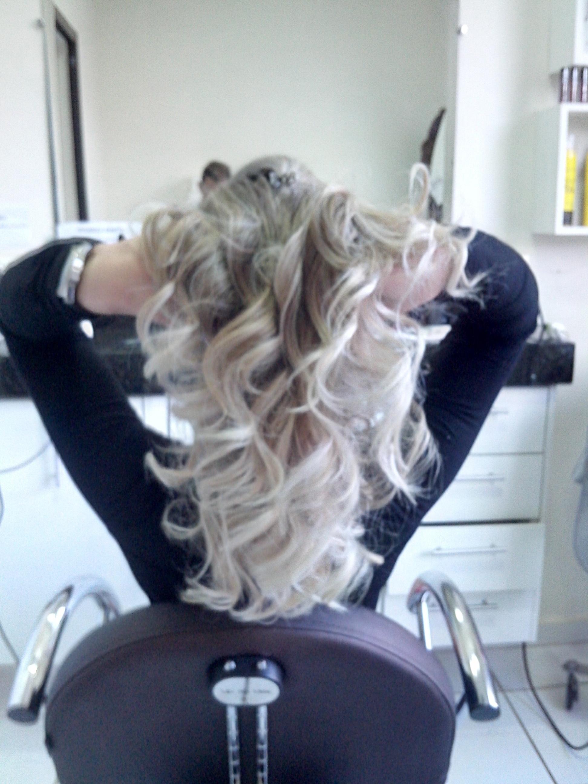 Platinado cabelo cabeleireiro(a) maquiador(a)