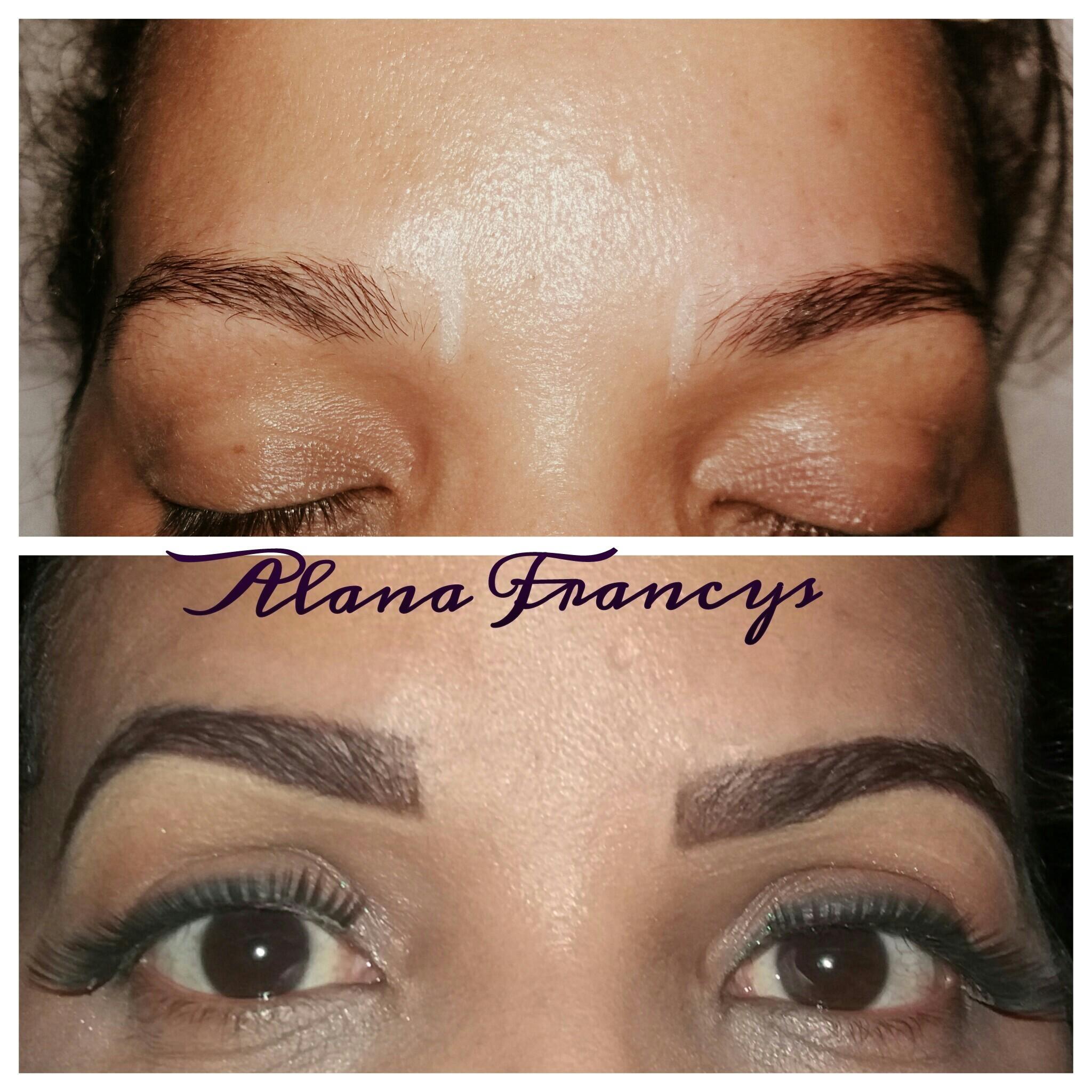 Designer com henna estética designer de sobrancelhas depilador(a) maquiador(a)