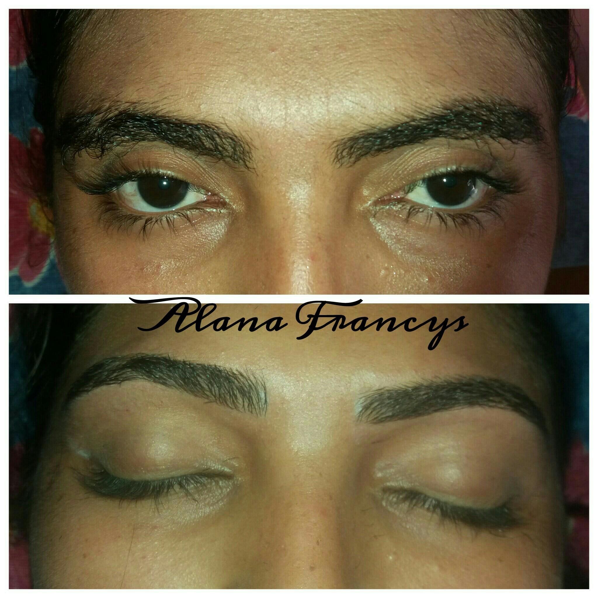 Só o designe sem henna ou camuflagem    estética designer de sobrancelhas depilador(a) maquiador(a)