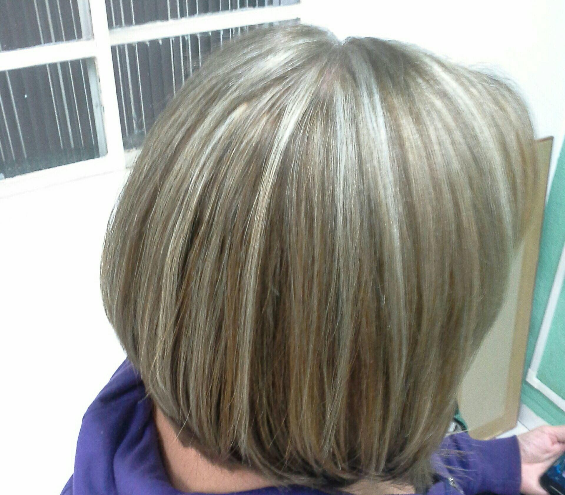 Correção de cor e luzes cabelo stylist / visagista cabeleireiro(a)