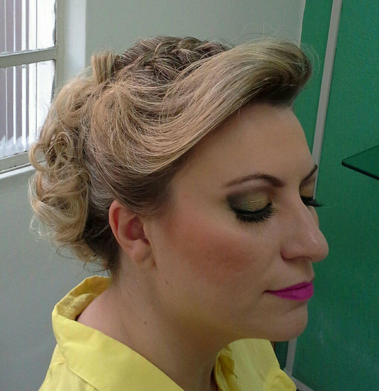 Penteado e  maquiagem maquiagem stylist / visagista cabeleireiro(a)