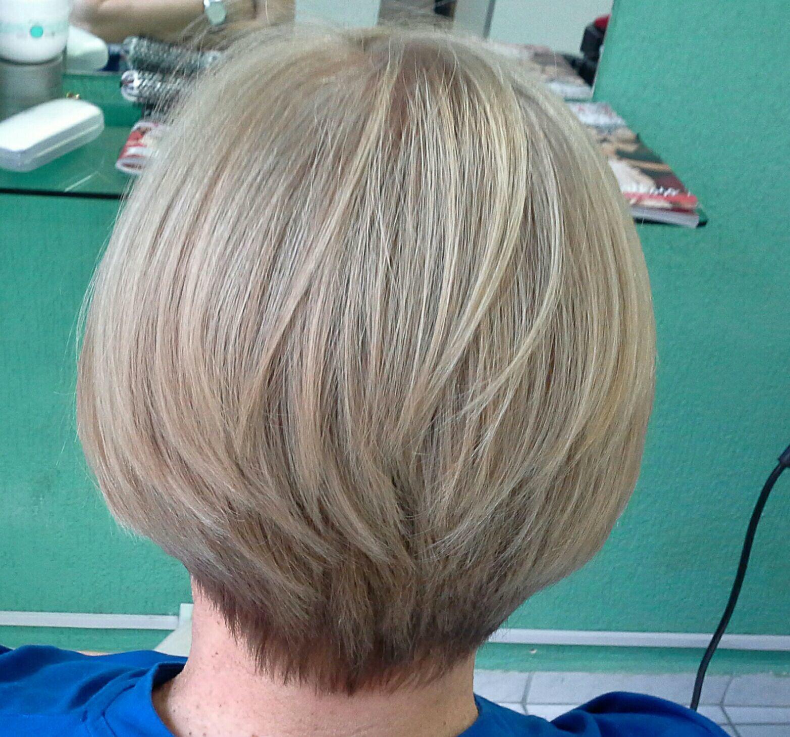 Corte chanel  curto , nuca  batida  com navalha cabelo stylist / visagista cabeleireiro(a)