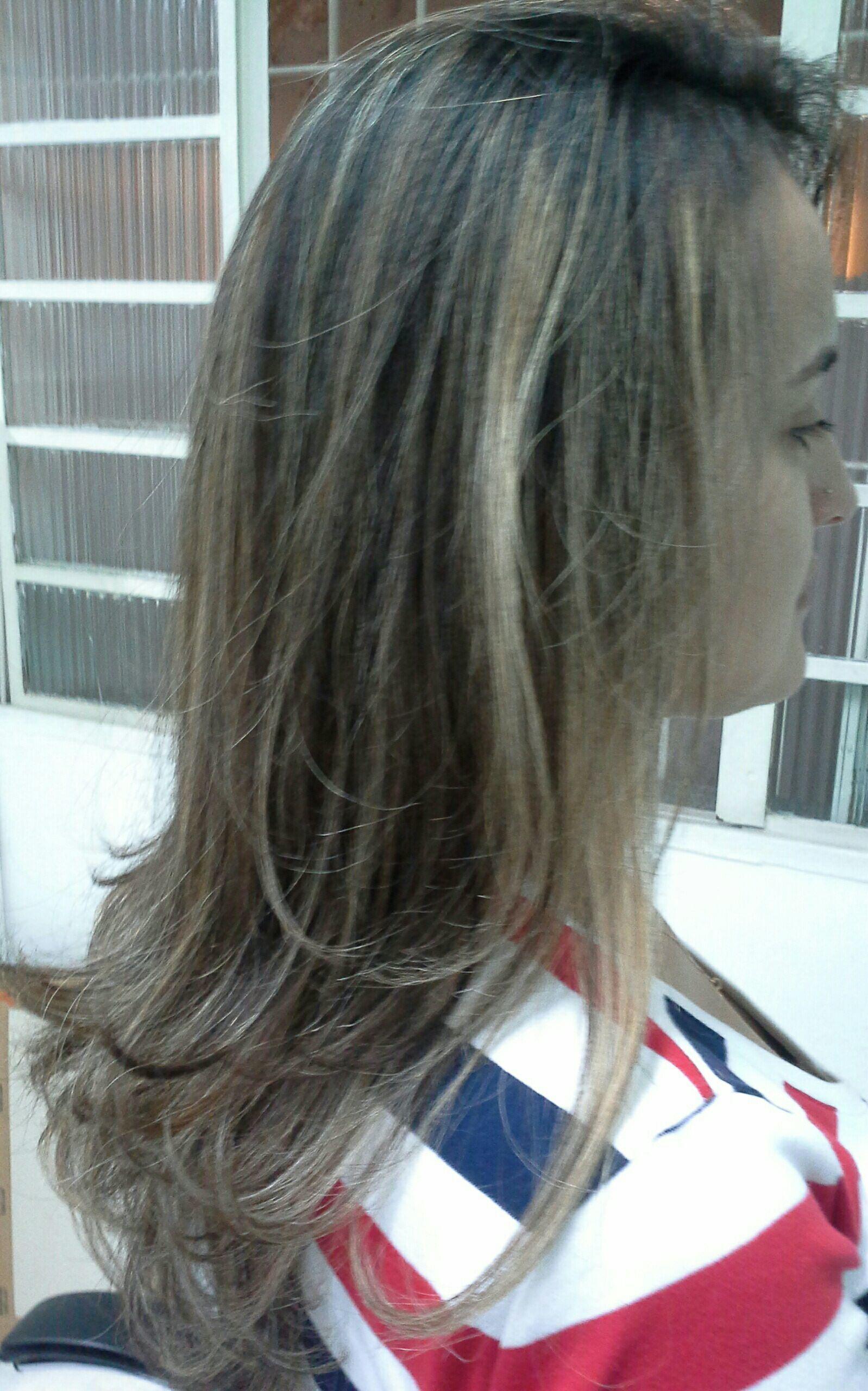 Mechas  efeito turtle, tendências  ,  cor caramelo e  platinado cabelo stylist / visagista cabeleireiro(a)