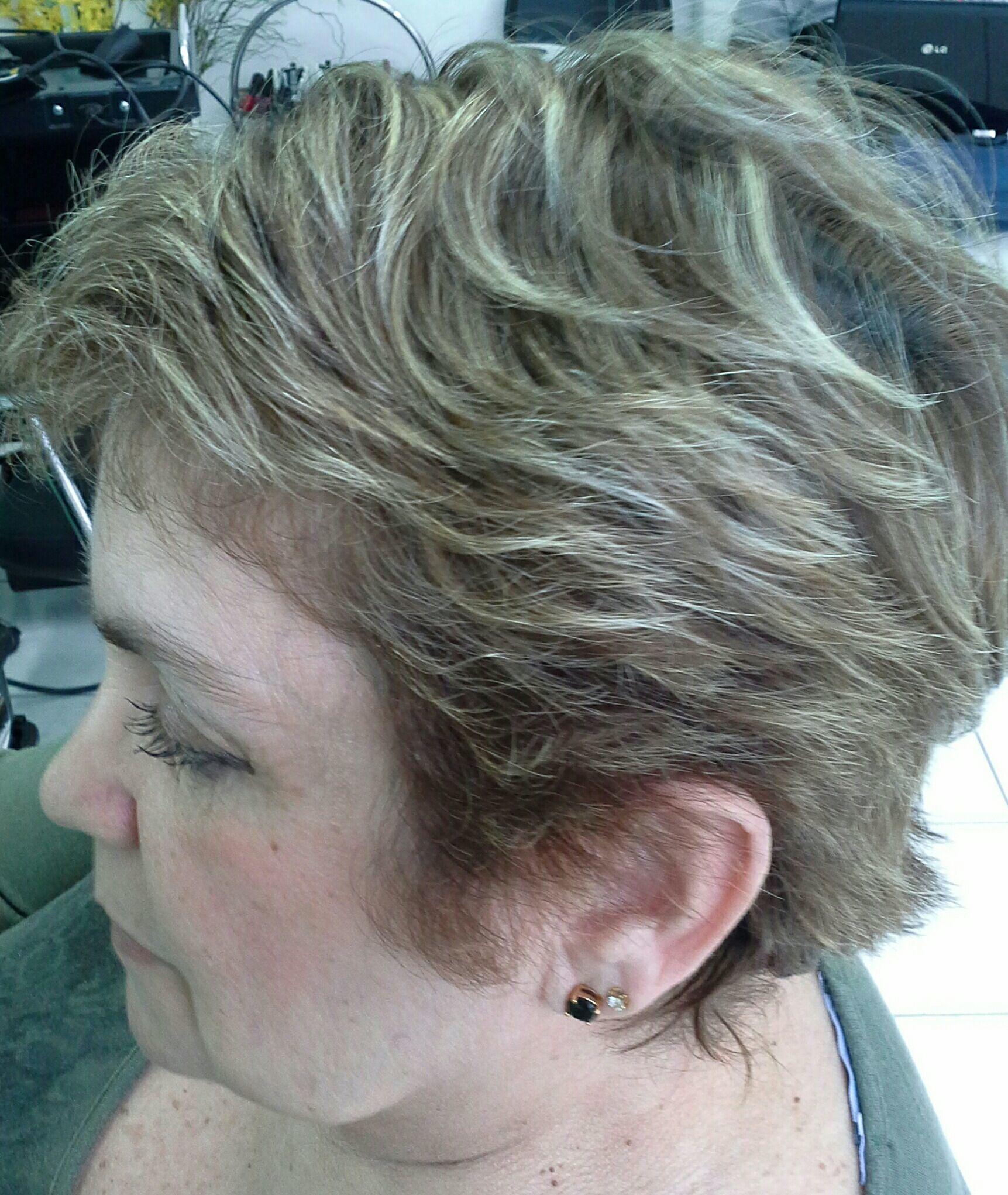 Cor , corte e  luzes cabelo stylist / visagista cabeleireiro(a)