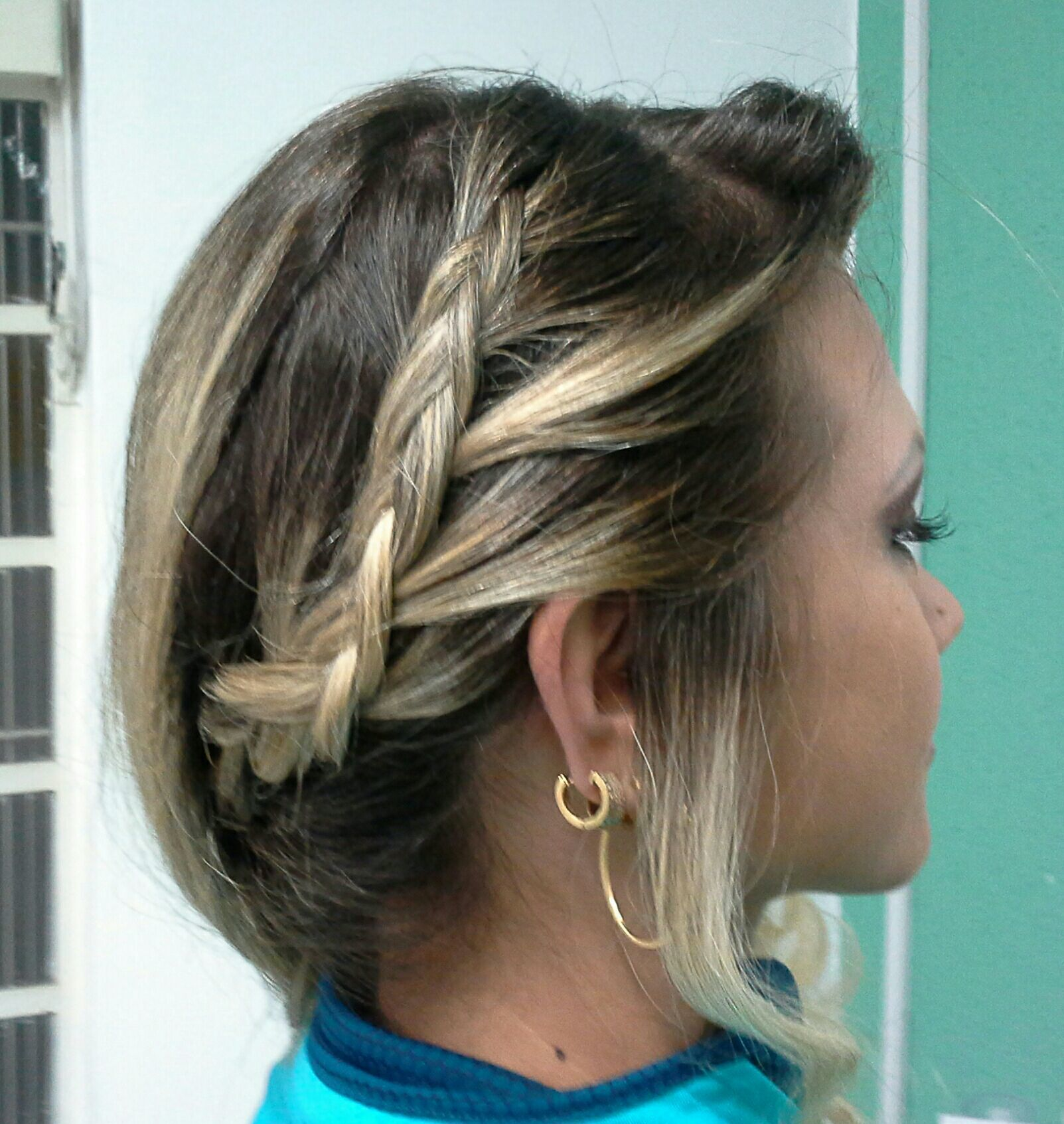 Penteado ,maquiagem  de festa cabelo stylist / visagista cabeleireiro(a)