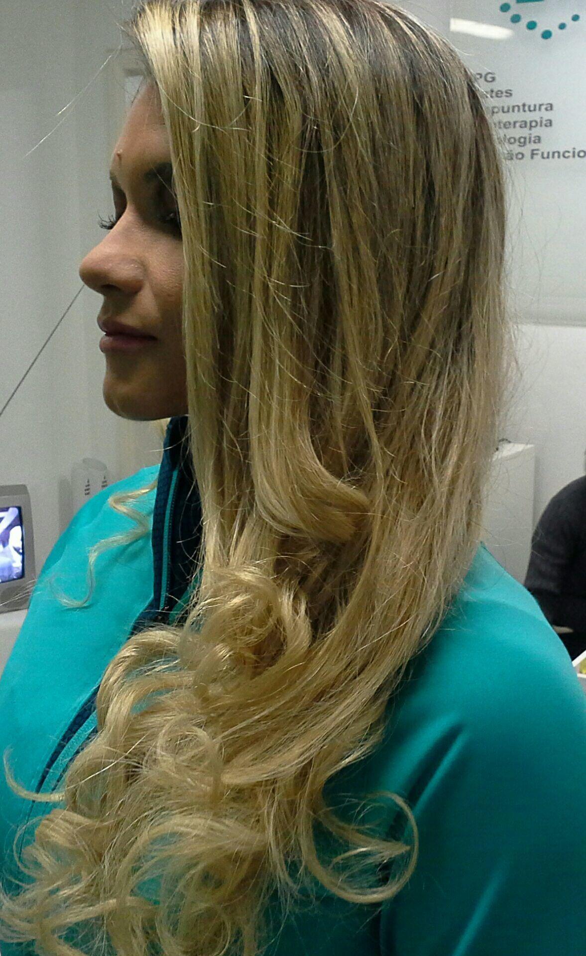 Penteado  , maquiagem de festa cabelo stylist / visagista cabeleireiro(a)