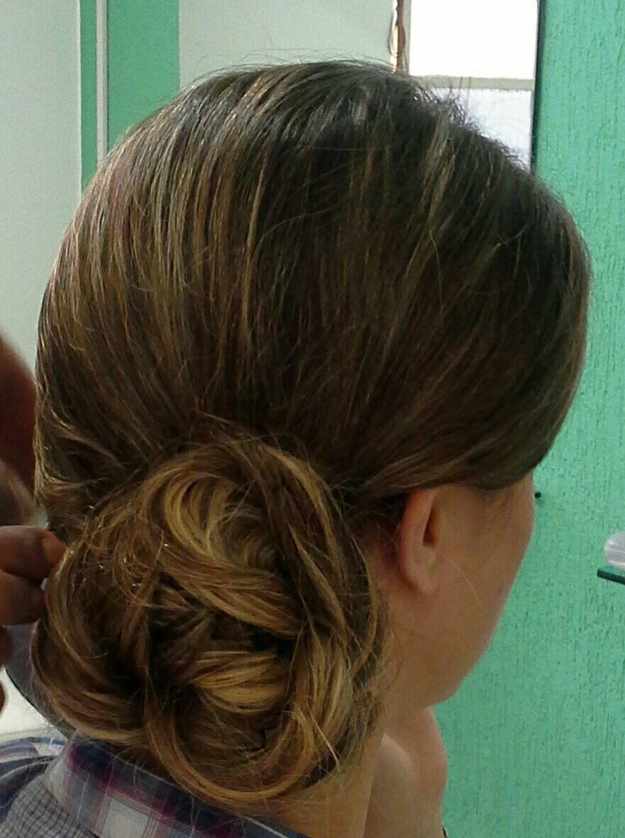 Penteado e  maquiagem de festa,  casamento cabelo stylist / visagista cabeleireiro(a)