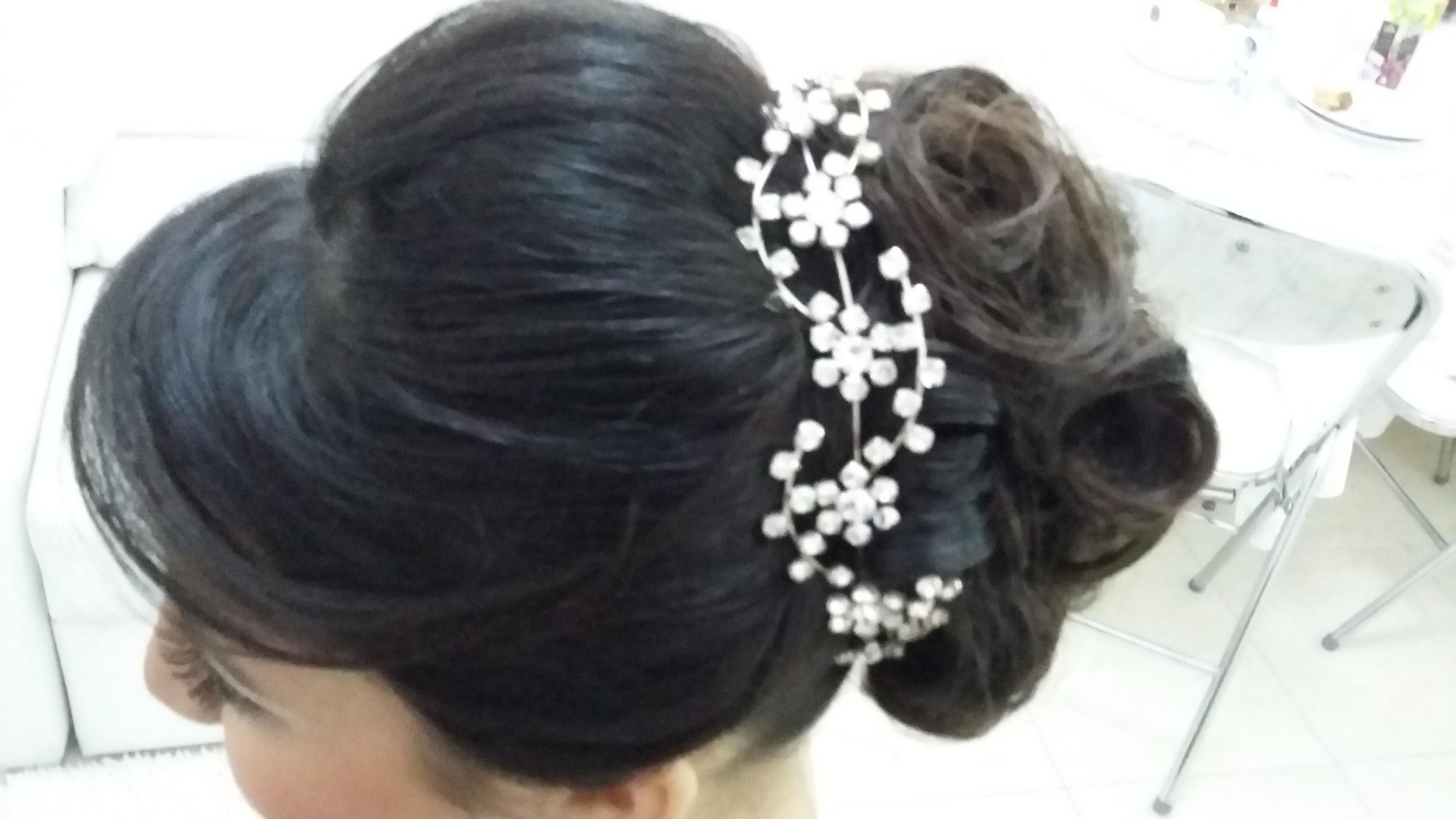 #noiva e madrinhas penteados em geral  Studio Kayzen  cabelo cabeleireiro(a)