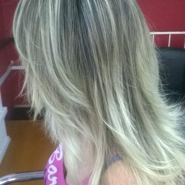 Loiras Loiras Loiras #blondhair #ombrehair #blonder #blond #mechas #hair  #platinados cabelo cabeleireiro(a) maquiador(a) barbeiro(a)