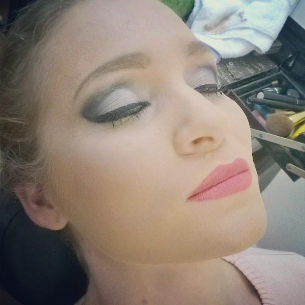 Make pra noite. #makeuplover #night #make #blackandsilver makeup maquiagem cabeleireiro(a) maquiador(a) barbeiro(a)