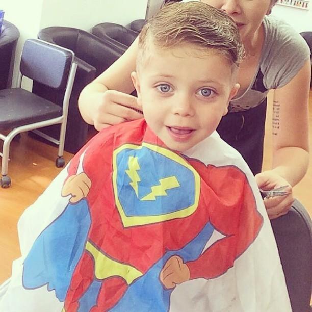 Corte infantil #pompoador #cutman #litlleman cabelo cabeleireiro(a) maquiador(a) barbeiro(a)