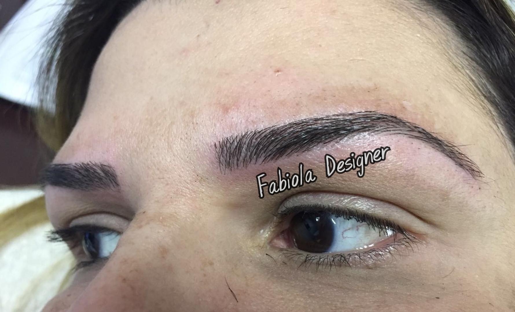 Microblading, resultado muito natural! outros micropigmentador(a) designer de sobrancelhas depilador(a)