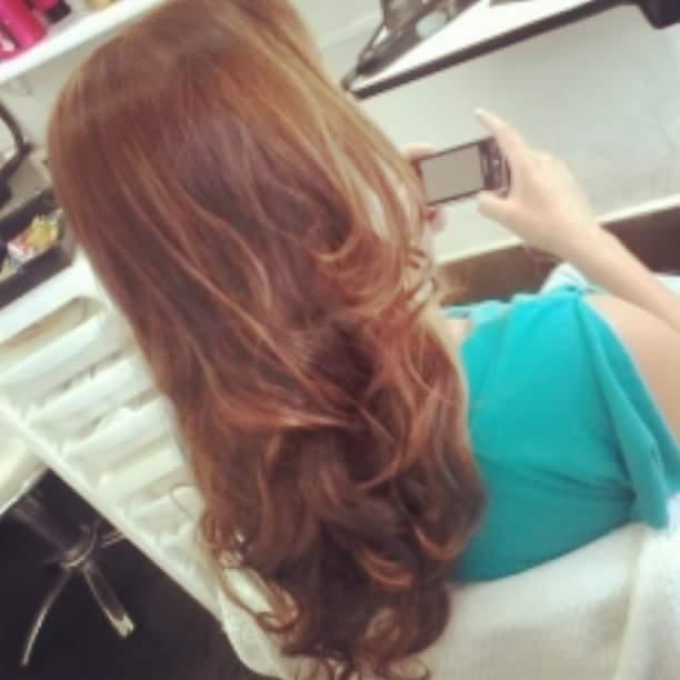 Coloraçao e escova... cabelo cabeleireiro(a)