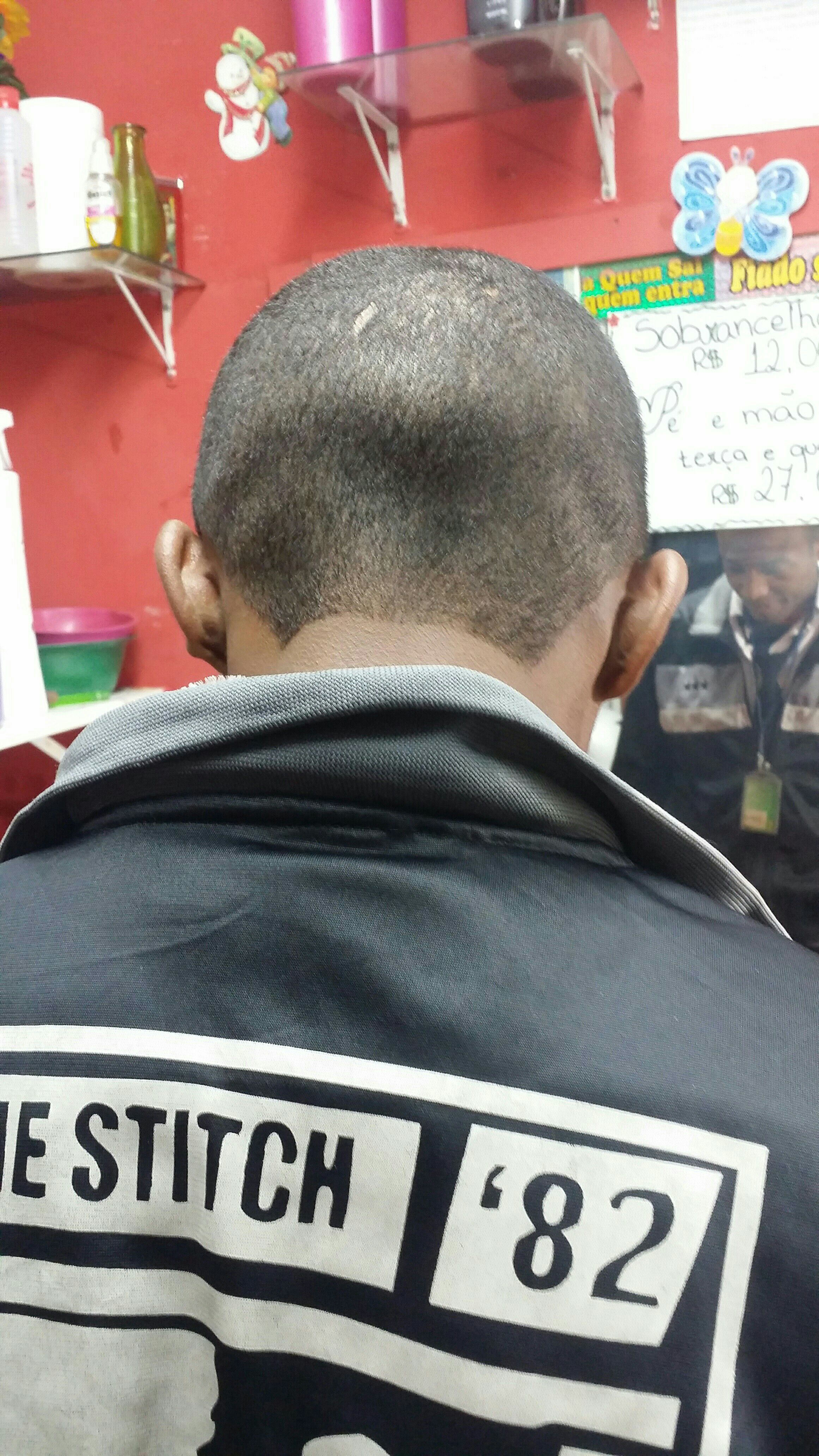 cabelo barbeiro(a) auxiliar cabeleireiro(a)