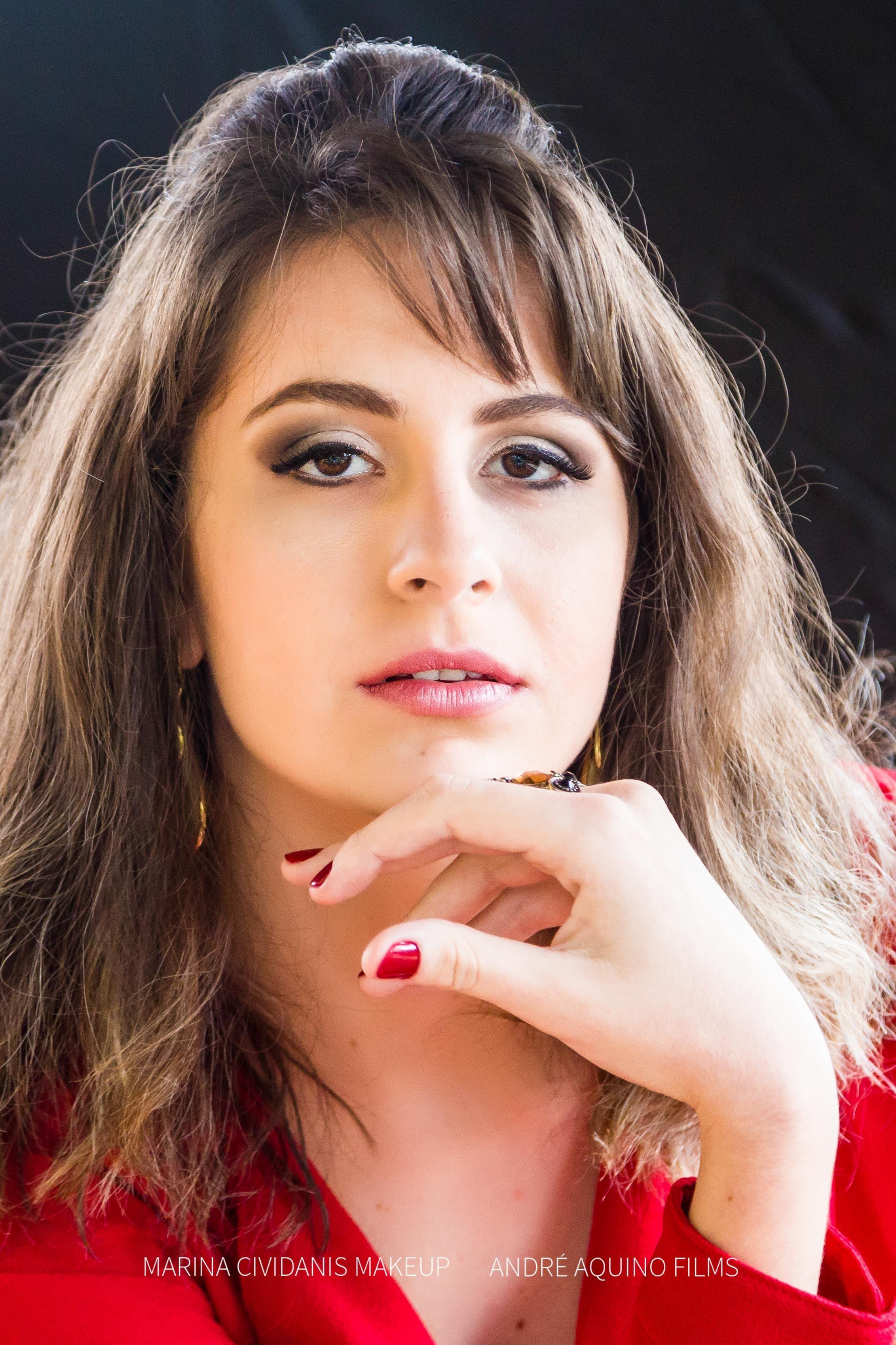 Ensaio fotográfico com a modelo @agattaalice .  Make-up: Marina Cividanis Fotos: André Aquino Films Agradecimento a loja @todalinda_byeugenia  #makeupbymarinacividanis #maquiagembrasill #maquiagem #fotografia #fotos  #workinprogress #makeup #progress  maquiagem maquiador(a)