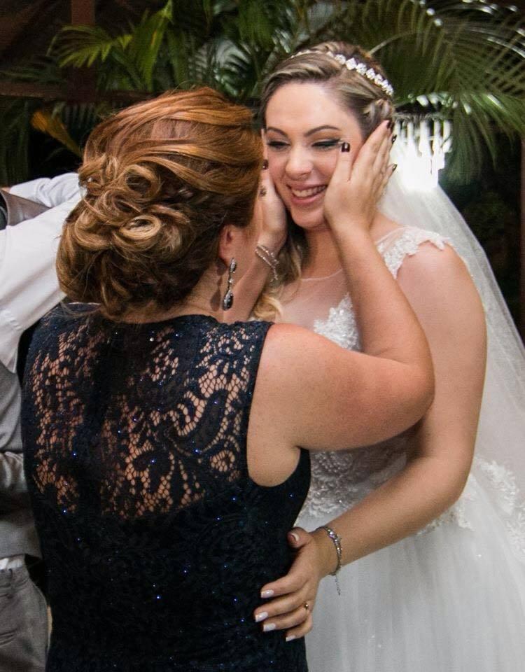 Noiva e Madrinha em momento especial! Feitas por Laís D'Epiro. #Hair #Wedding cabelo cabeleireiro(a) stylist / visagista auxiliar administrativo
