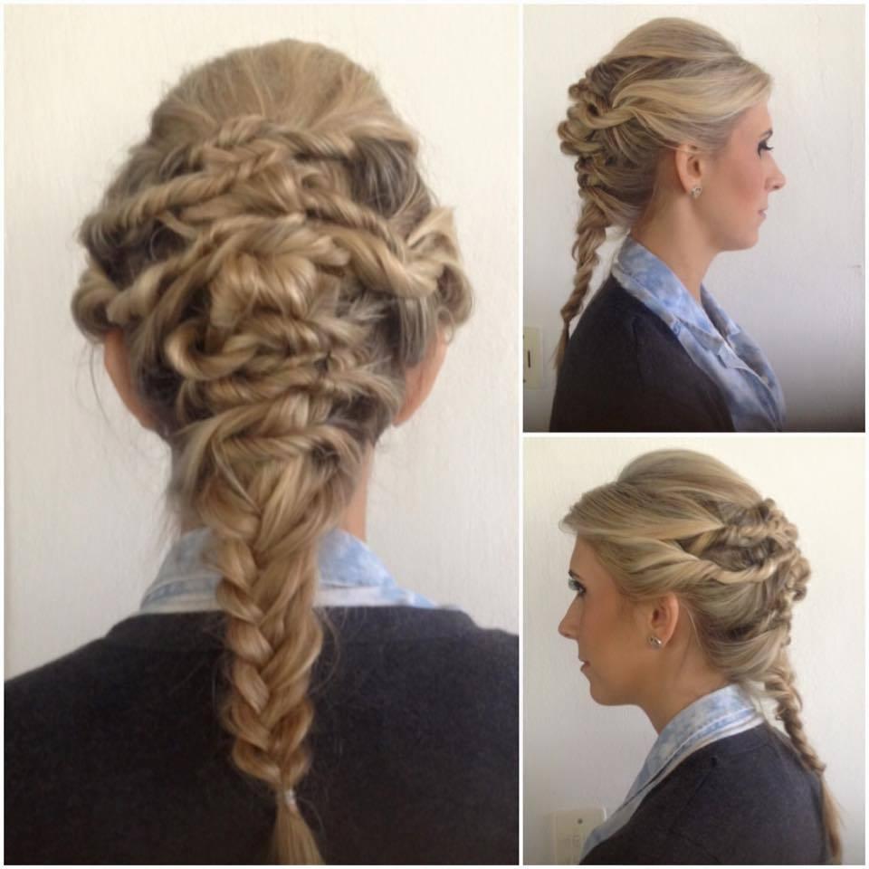 #PenteadoModerno #Penteado #Blond cabelo cabeleireiro(a) stylist / visagista auxiliar administrativo