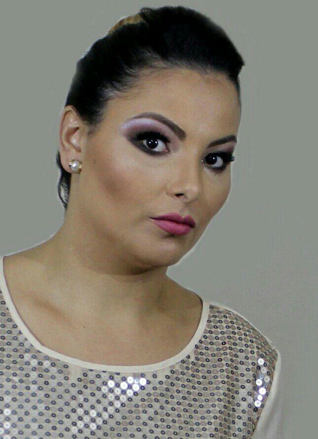 Make pra sessão de fotos com contorno e iluminação  Veja o antes e depois em  Facebook.com/studiomicheletorres maquiagem maquiador(a)