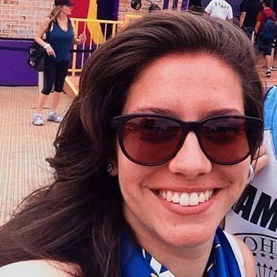 Amanda Betega (Community Manager) outros gerente auxiliar administrativo
