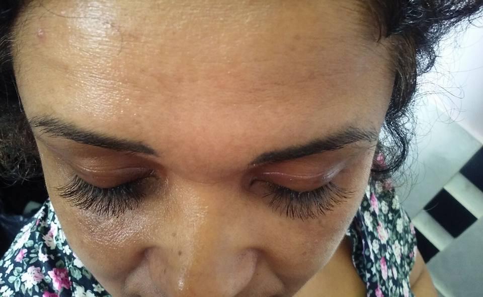 Cílios Tufinhos maquiagem designer de sobrancelhas