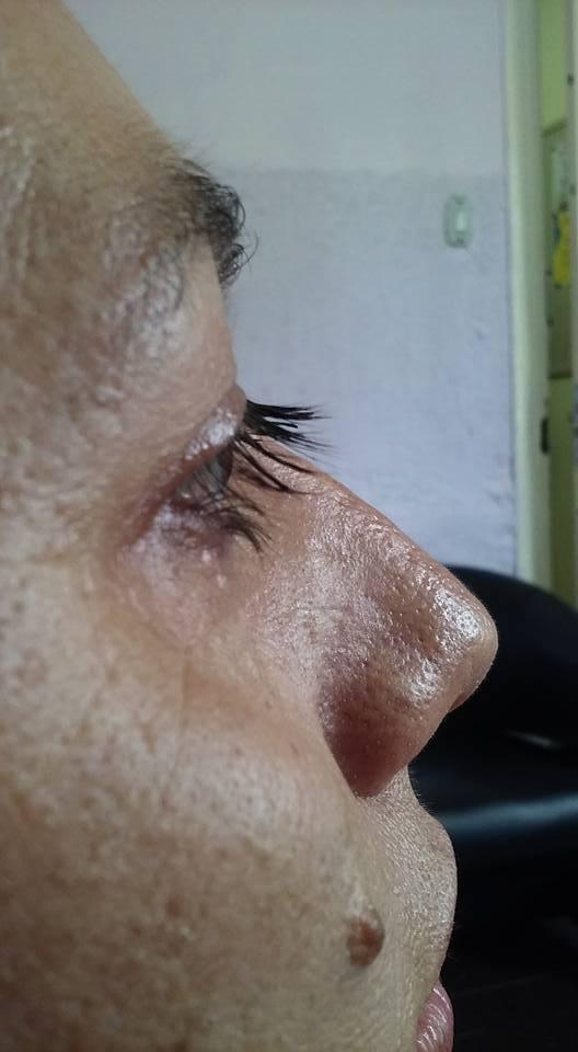 Permanente de cílios (antes). maquiagem designer de sobrancelhas