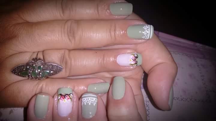 Verde lindoooooooo.+ decoração estética manicure e pedicure