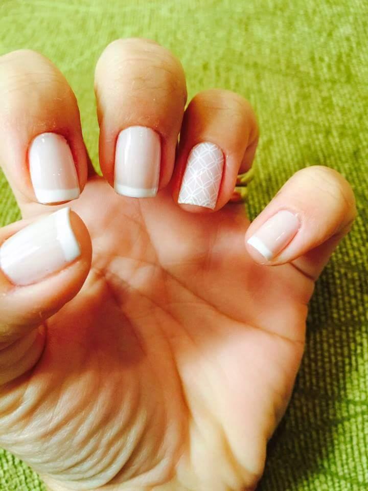 Meus trabalhos ..branco básico unha manicure e pedicure