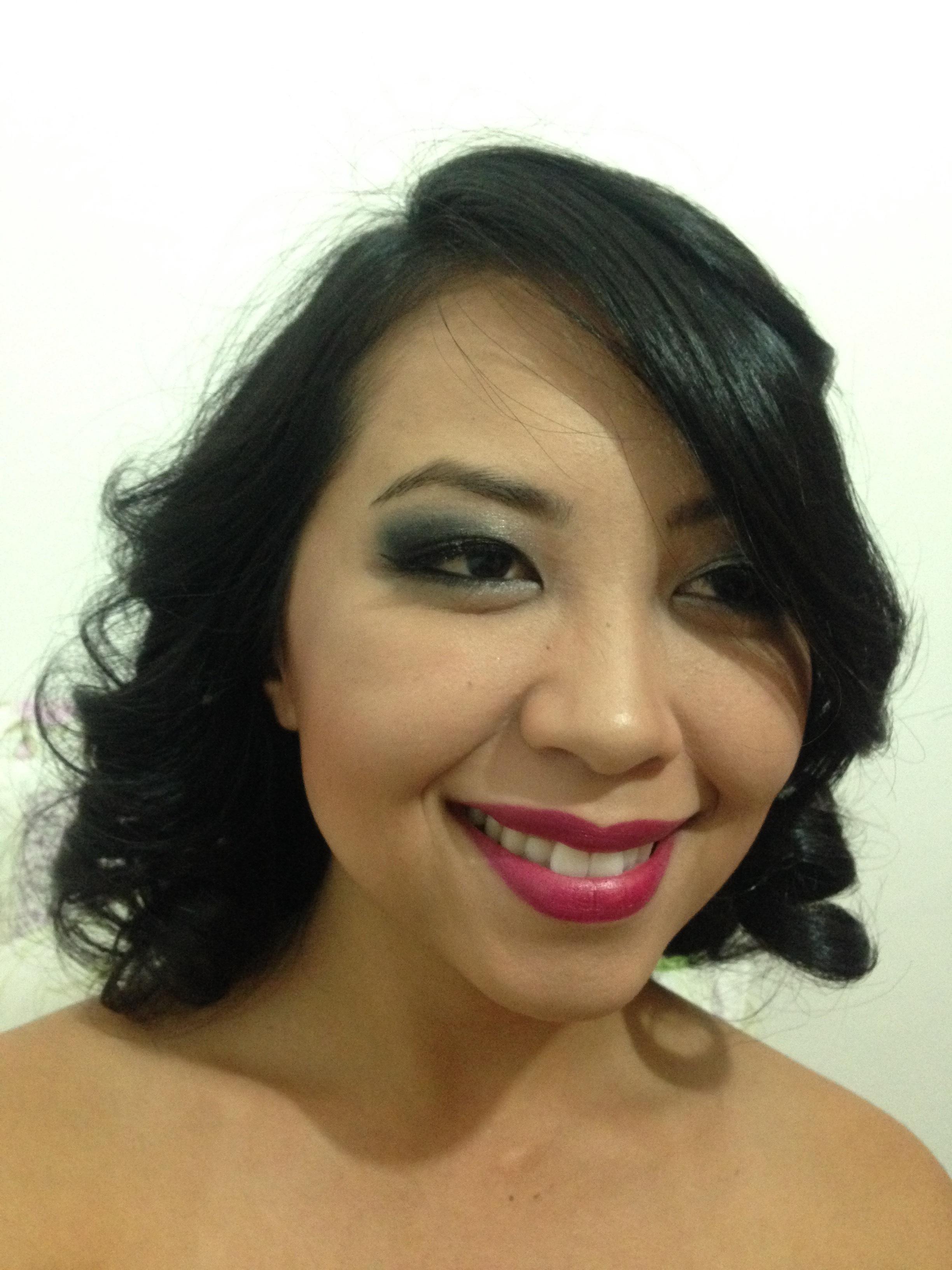 Japa linda com olho tudo e boca tudo, por que não? maquiagem maquiador(a)