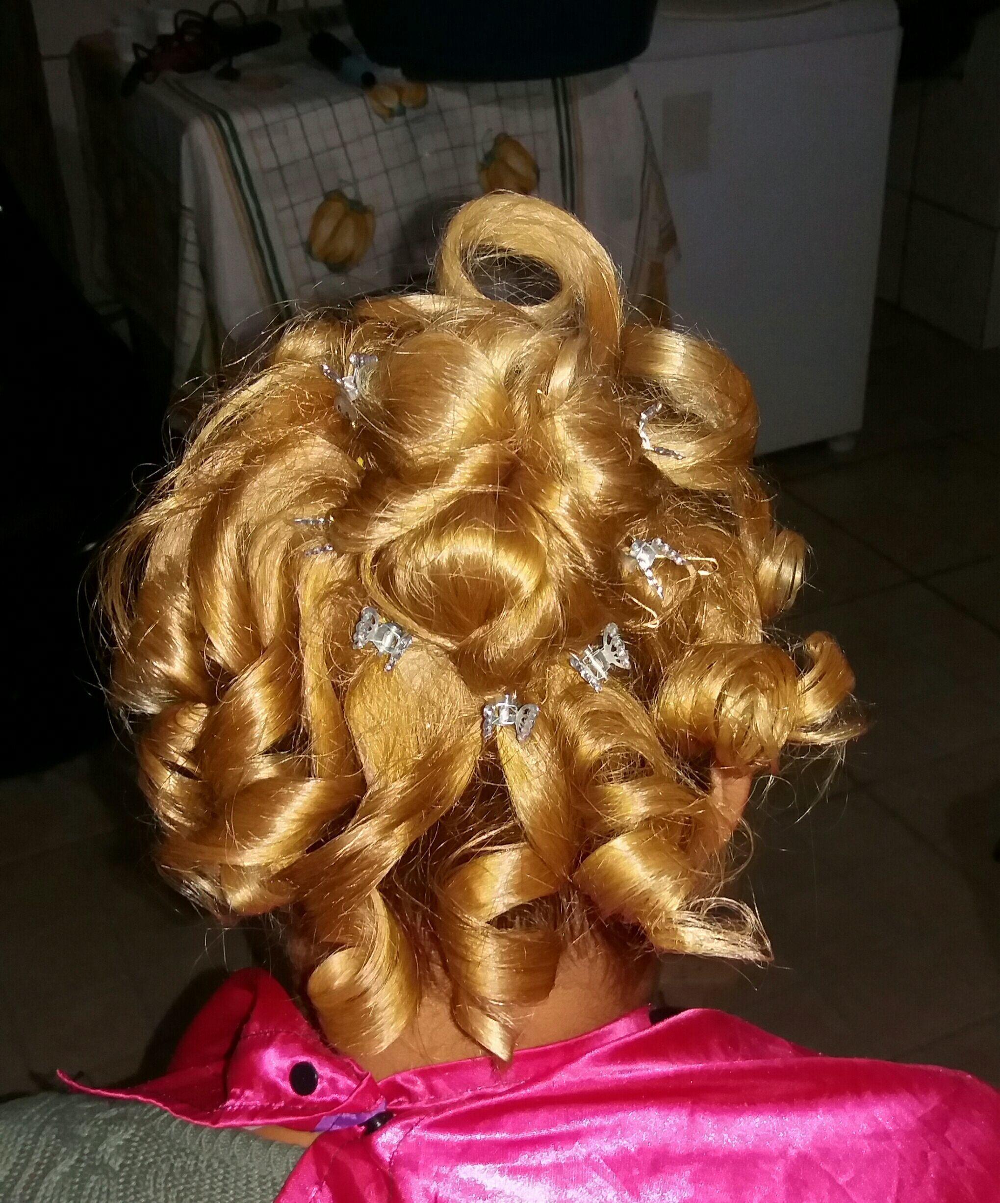 outros auxiliar cabeleireiro(a) auxiliar cabeleireiro(a) escovista designer de sobrancelhas