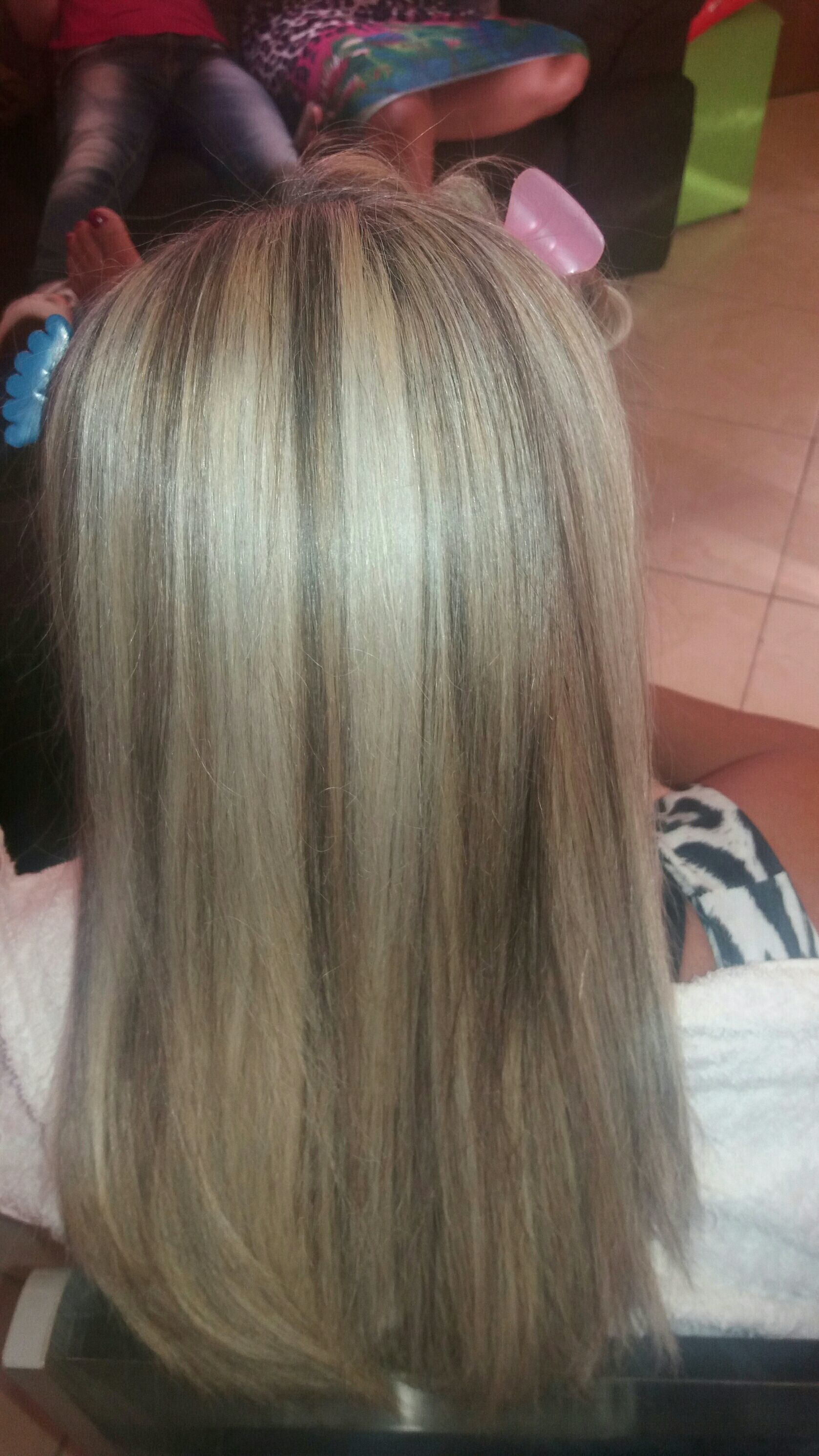 cabelo auxiliar cabeleireiro(a) auxiliar cabeleireiro(a) escovista designer de sobrancelhas