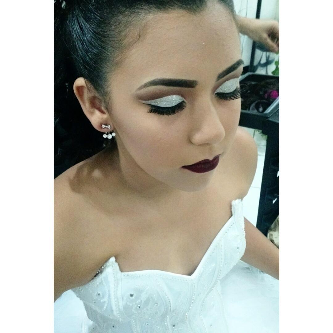 Debutante!! maquiagem maquiador(a) depilador(a) esteticista