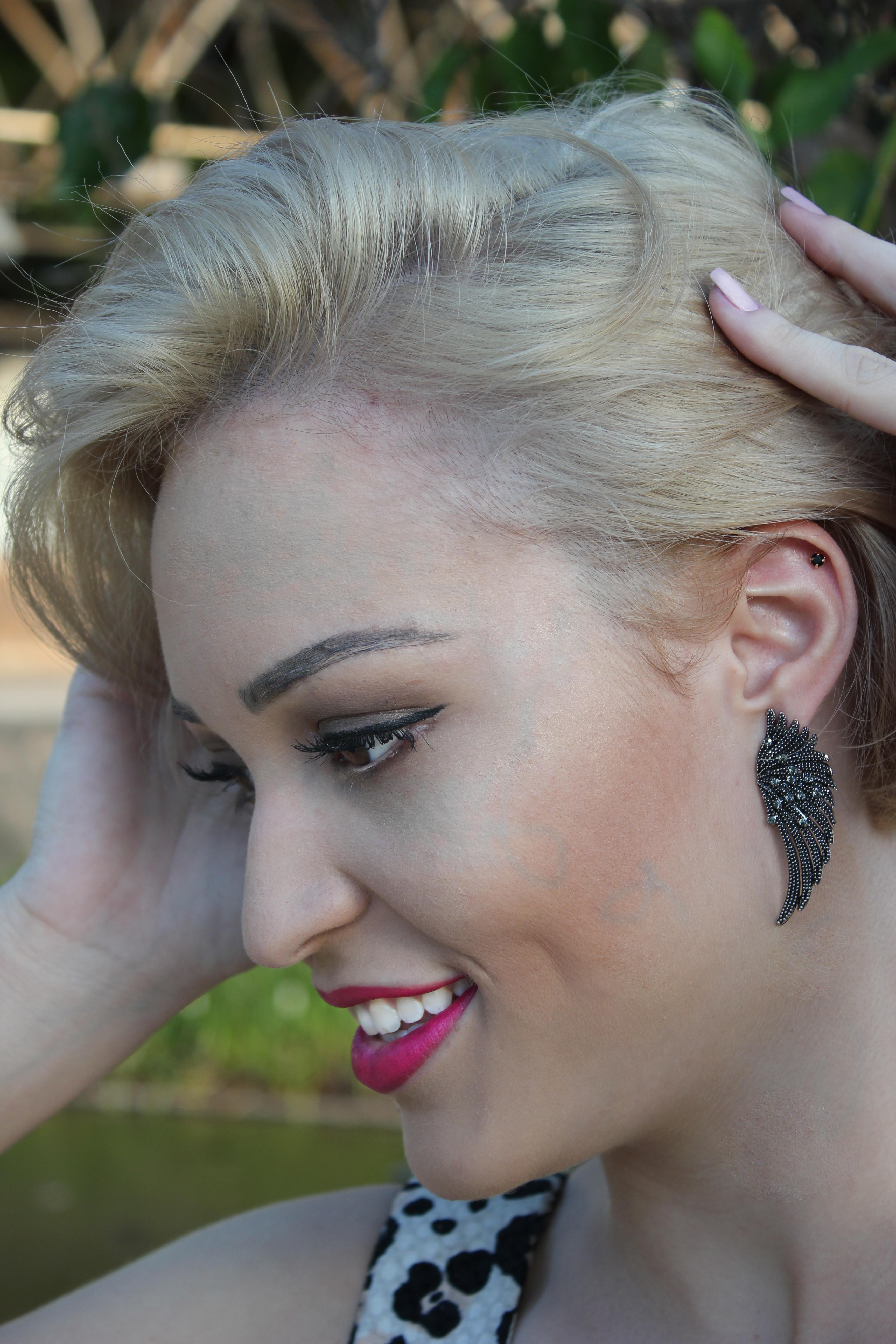 Make suave...  Com destaque para o batom que da o charme maior a maquiagem. #makeup #suave #delicado  maquiagem designer de sobrancelhas maquiador(a) cabeleireiro(a) manicure e pedicure