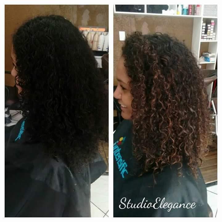 Castanho iluminado dando maior definição aos cachos. cabelo cabeleireiro(a)