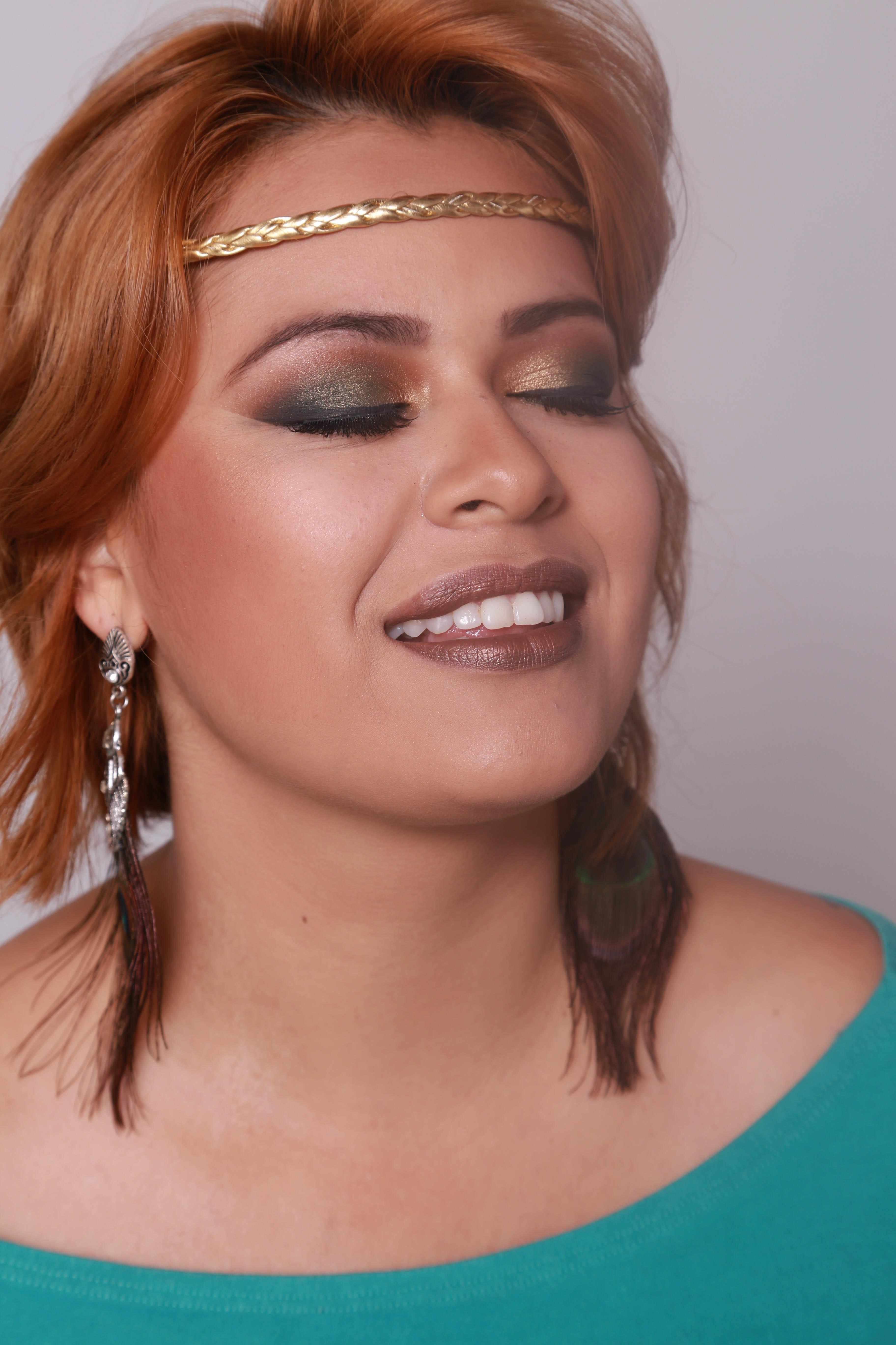Maquiagem inspirada nas penas do pavão #lovemakeup #makeupartist maquiagem maquiador(a)
