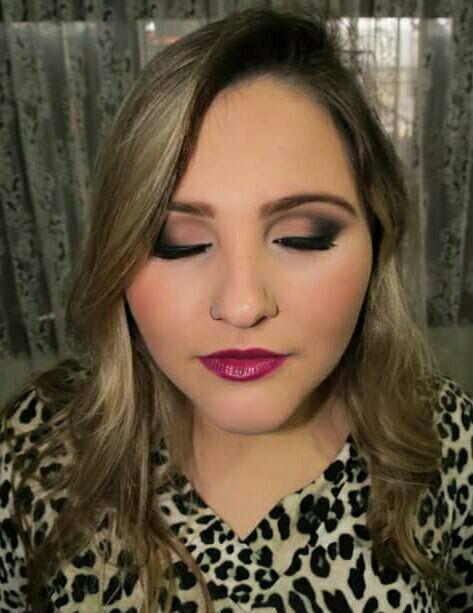 Make feita para convidada de festa de 15 anos Jéssica maquiagem maquiador(a)