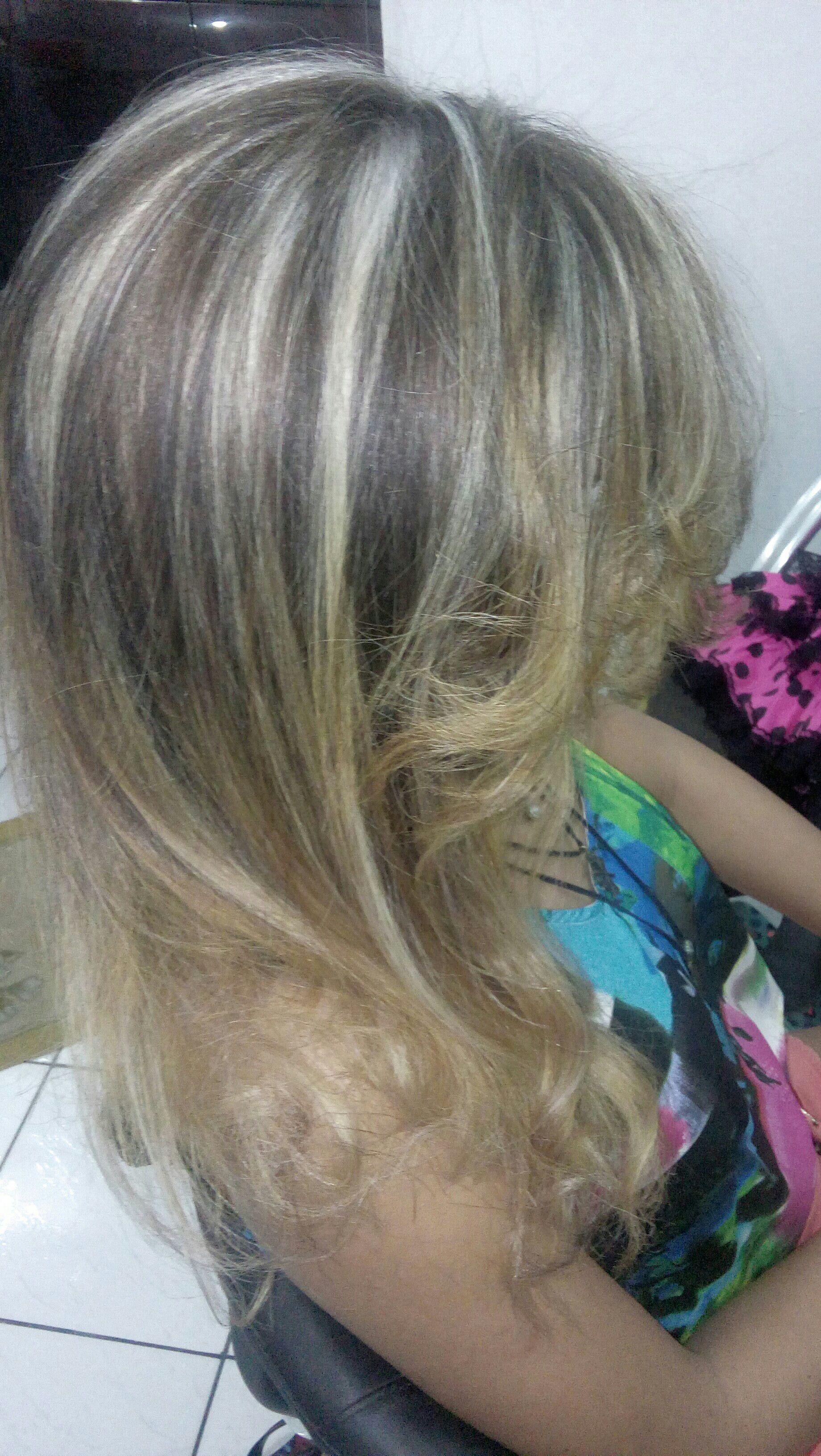 Mechas no papel! Raiz clara pontas esfumadas. cabelo cabeleireiro(a)