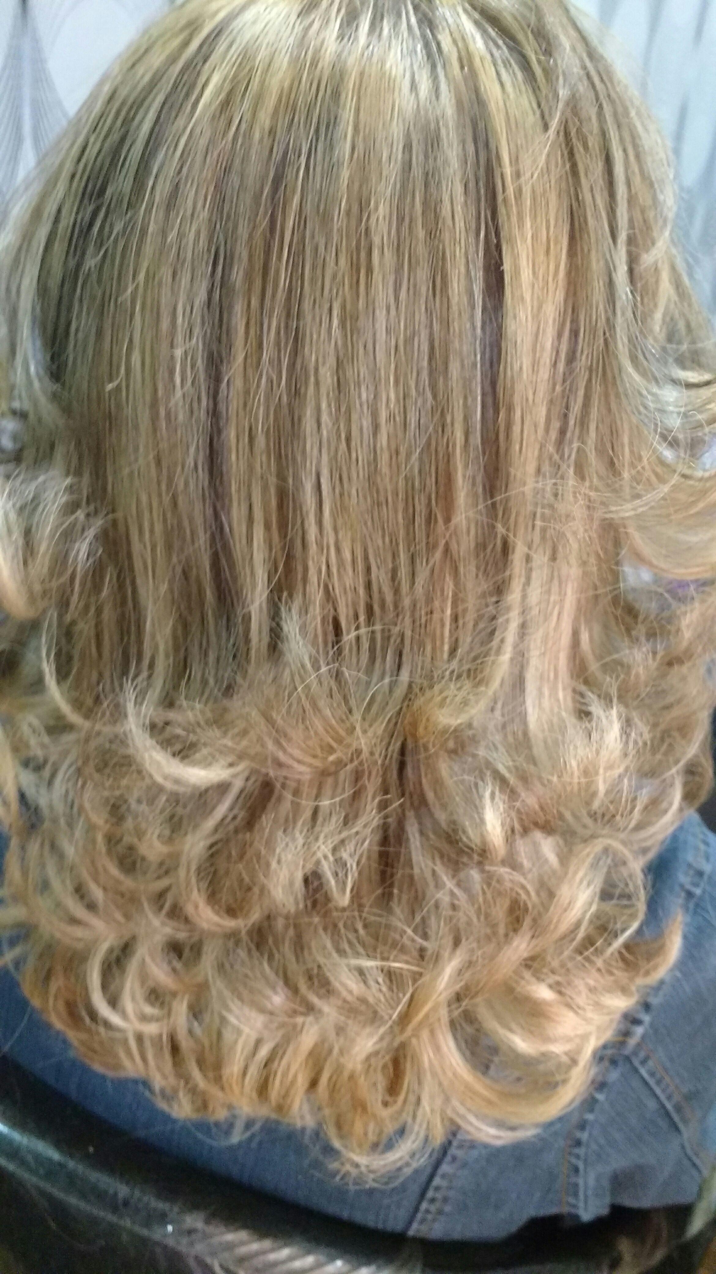 cabeleireiro(a) auxiliar cabeleireiro(a) cabeleireiro(a) cabeleireiro(a)