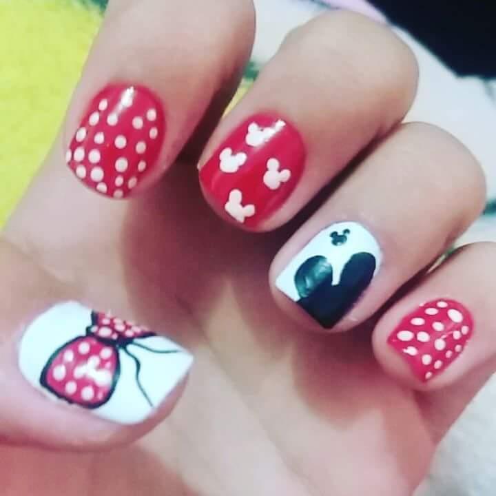Unha do Mickey feito a pincel. unha manicure e pedicure