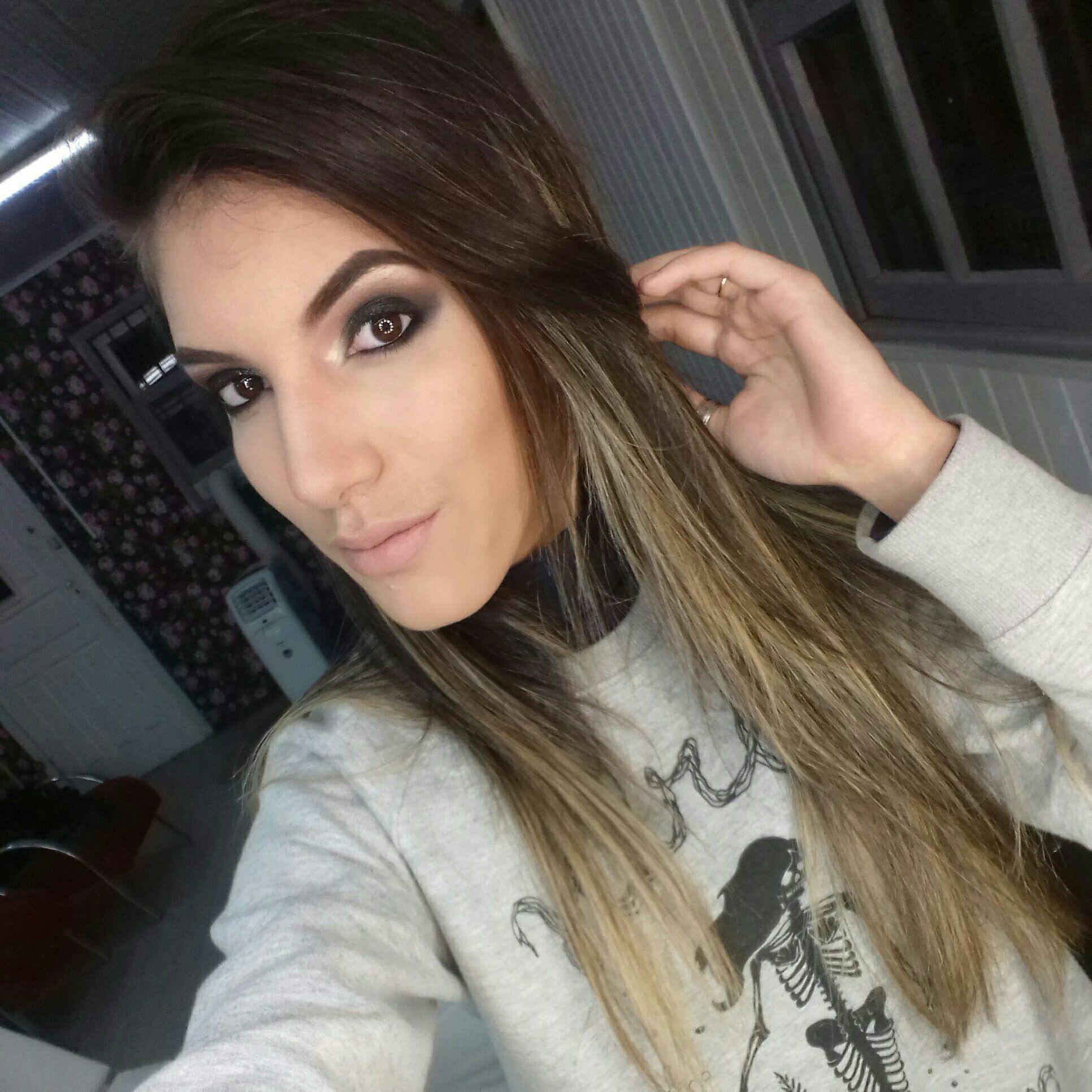 Modelo Sandy maquiagem maquiador(a)