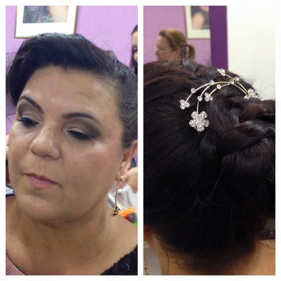 Maquiagem para madrinha de casamento para senhoras, esfumaçado bem caprichado. Cobertura da pele com strobing para disfarçar os sinais de idade. maquiagem maquiador(a) esteticista