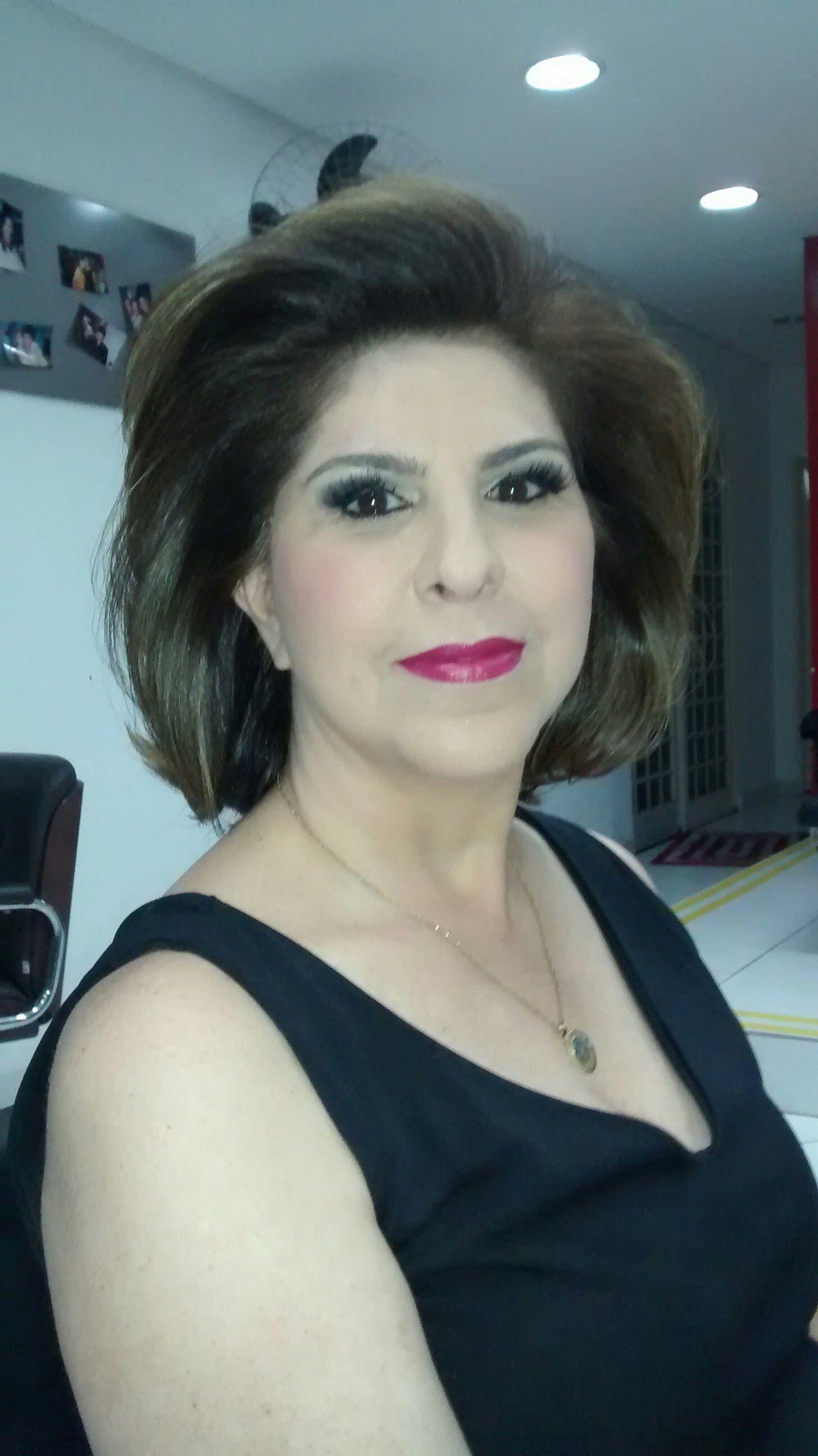 cabeleireiro(a) maquiador(a) stylist / visagista gerente